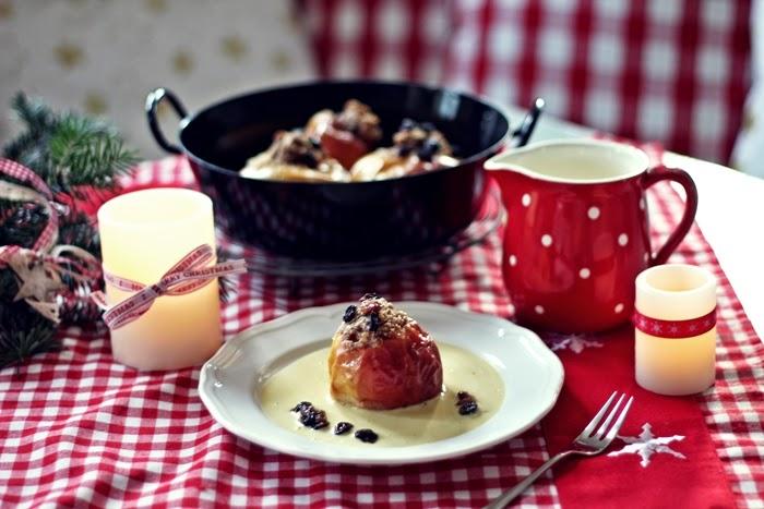 Weihnachtliche Bratäpfel mit selbstgemachter Vanillesoße