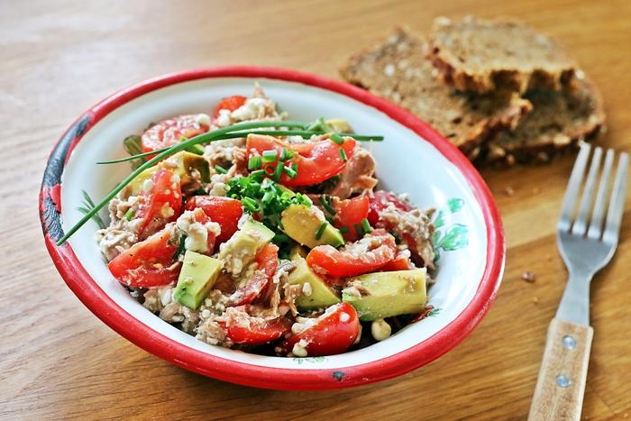 Tomaten Avocado Salat Mit Hüttenkäse Und Thunfisch Fashion Kitchen