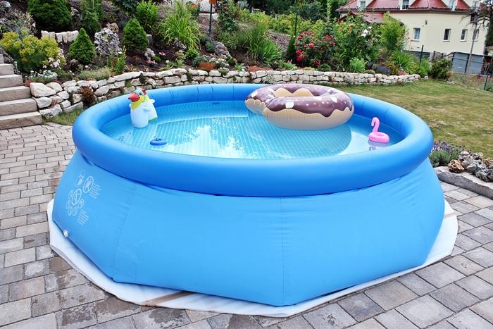 """Alle Infos & Tipps zum Thema """"Pool im Garten"""""""