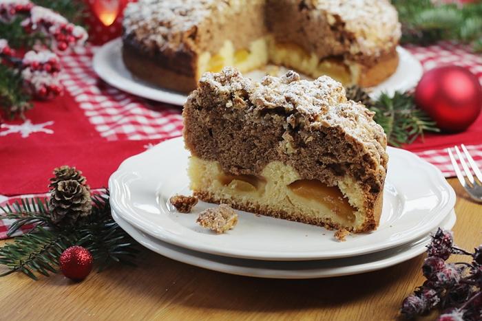 weihnachtlicher Marmorkuchen mit Gebrannte-Mandeln-Streusel