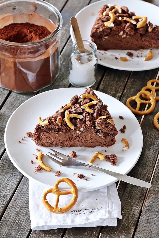 Schoko-Cheesecake mit salzigem Brezel Crunch