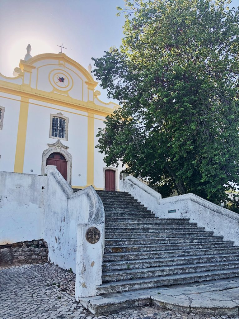 Roadtrip durch Portugal-fashionkitchen-kirche-burg-santiago do cacém