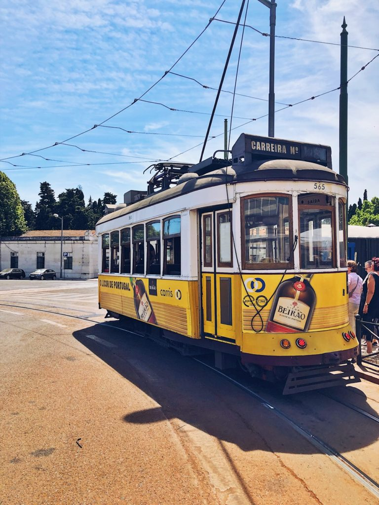 Roadtrip durch Portugal-fashionkitchen-lissabon-altstadt