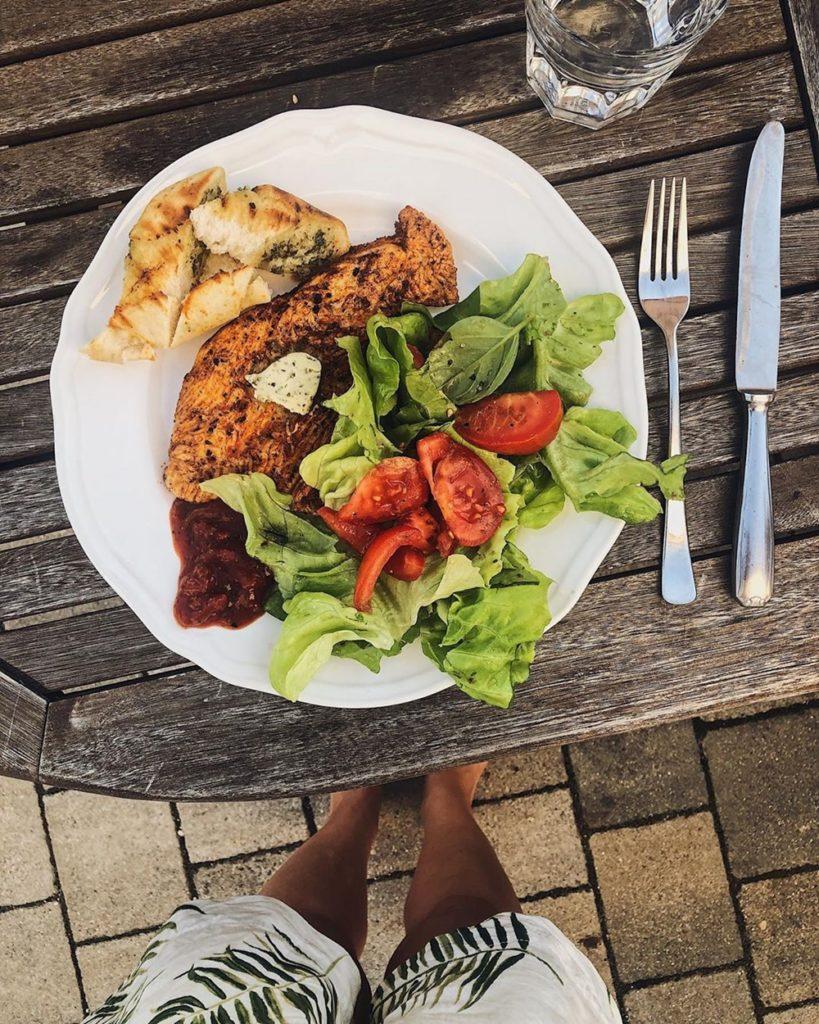 See Freibad Sommer Grillen Schwimmen Essen Brotzeit Salat