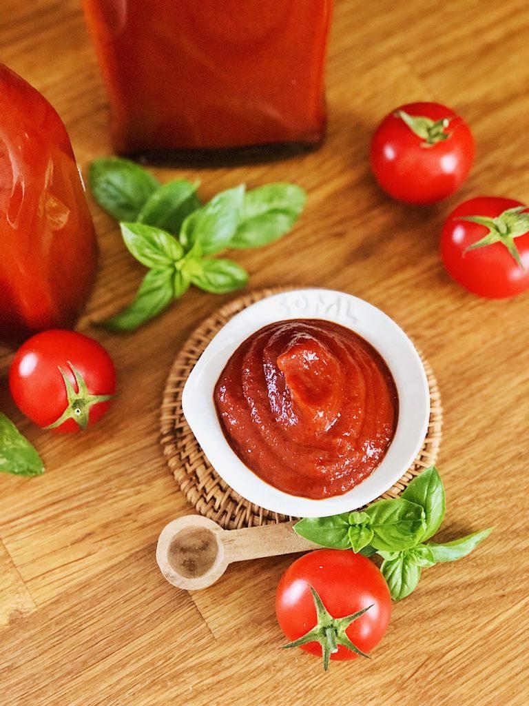 Tomaten Ketchup selber machen-einkochen-tomatos-ketchup-fashionkitchenkocht-selbstgemacht-grundrezept-ketchup wenig zucker_