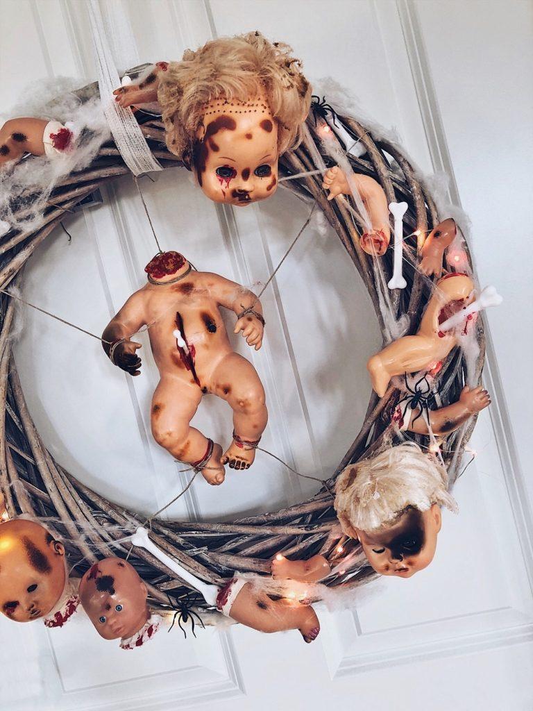 Halloween DIY - Grusel-Puppen Türkranz