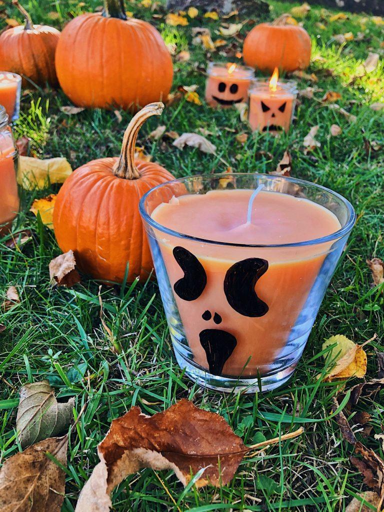 Halloween DIY – Kürbis Kerzen gießen