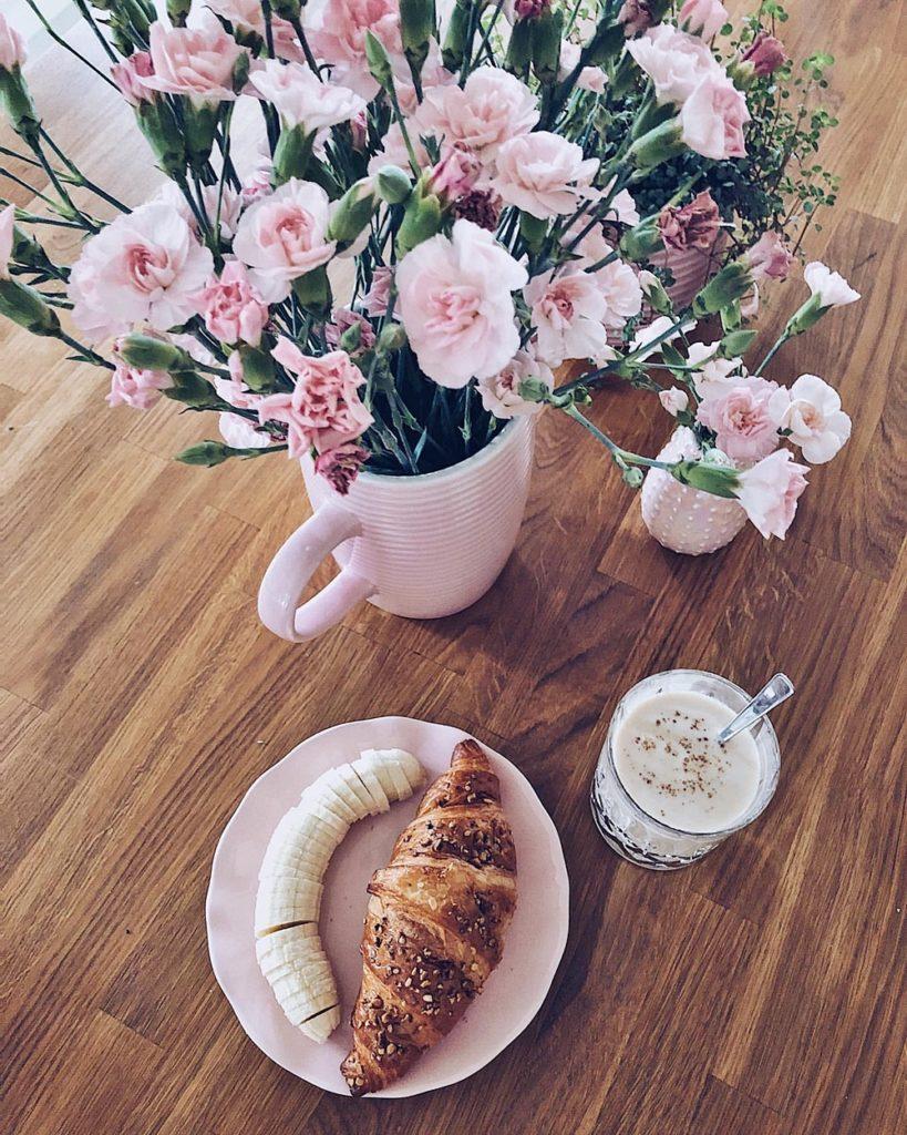 fLife Update September 2019 fashionkitchen  rühstück breakfast flowers interior flatlay