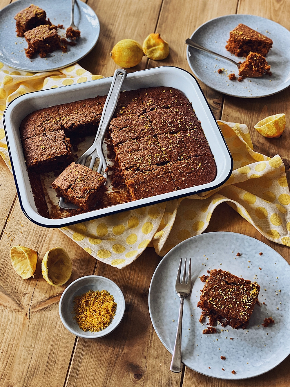 Schoko-Kürbis Brownies mit Kokos und Zitrone
