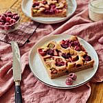 Joghurt-Rhabarber-Himbeer Kuchen vom Blech