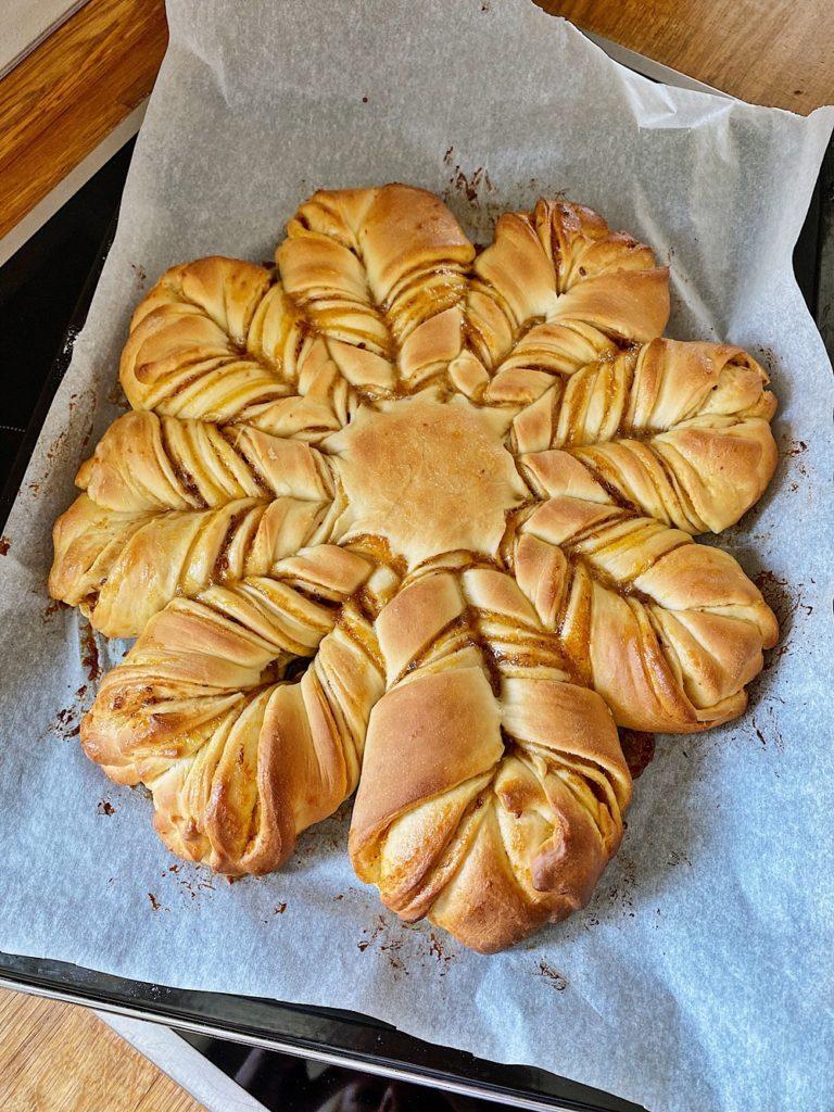 Marmeladen-Hefe-Blume - Jam Star Bread