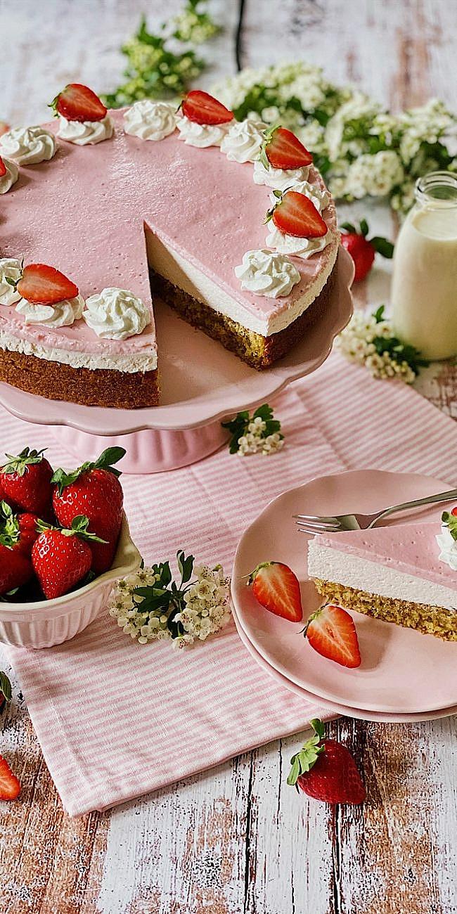Strawberries & Cream Erdbeer-Mandel-Torte