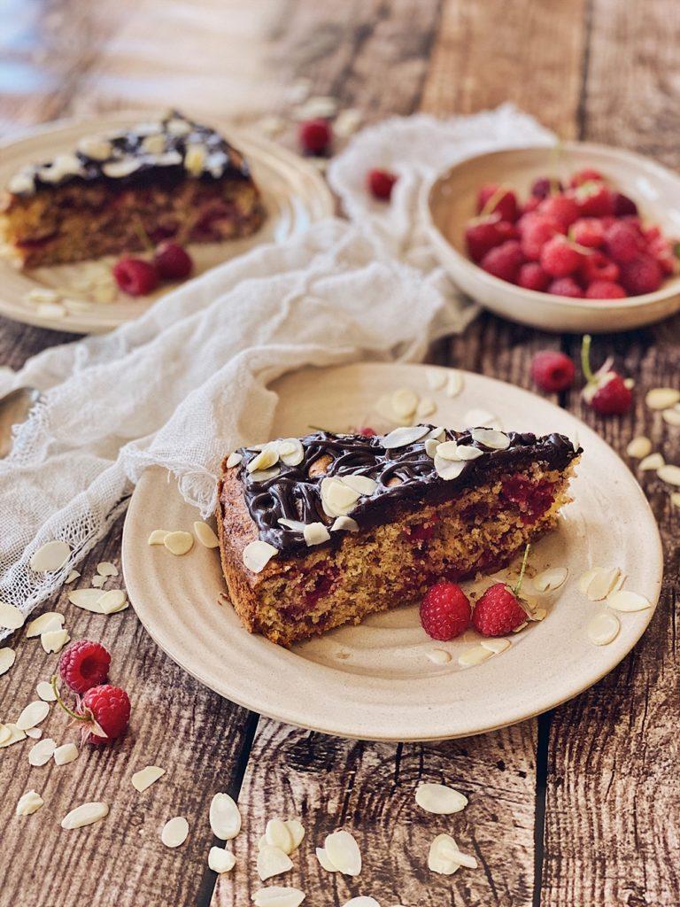 Himbeer-Mandelkuchen mit Schokoladen-Ganache