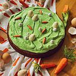 Osterkuchen-Karottenkuchen mit Ostereierwiese