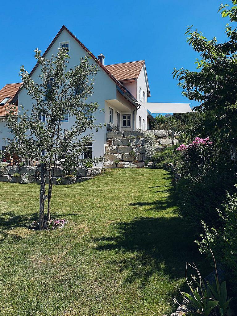 Sonnensegel im Garten - Material, Aufbau, Befestigung und alle wichtigen Infos